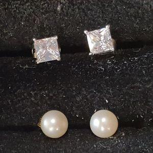 2 Pairs of Stud Earrings (Pearl & Cubic Zirconia)